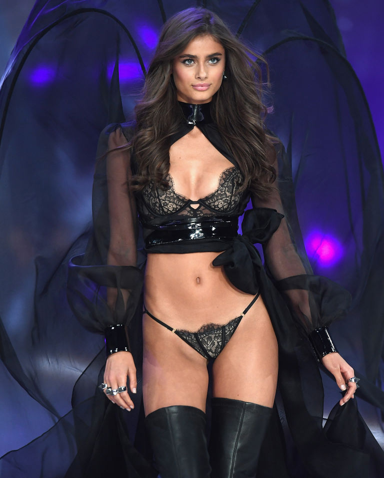 Here's How Many Calories a Day Victoria's Secret Model Taylor Hill Eats to Look Like This