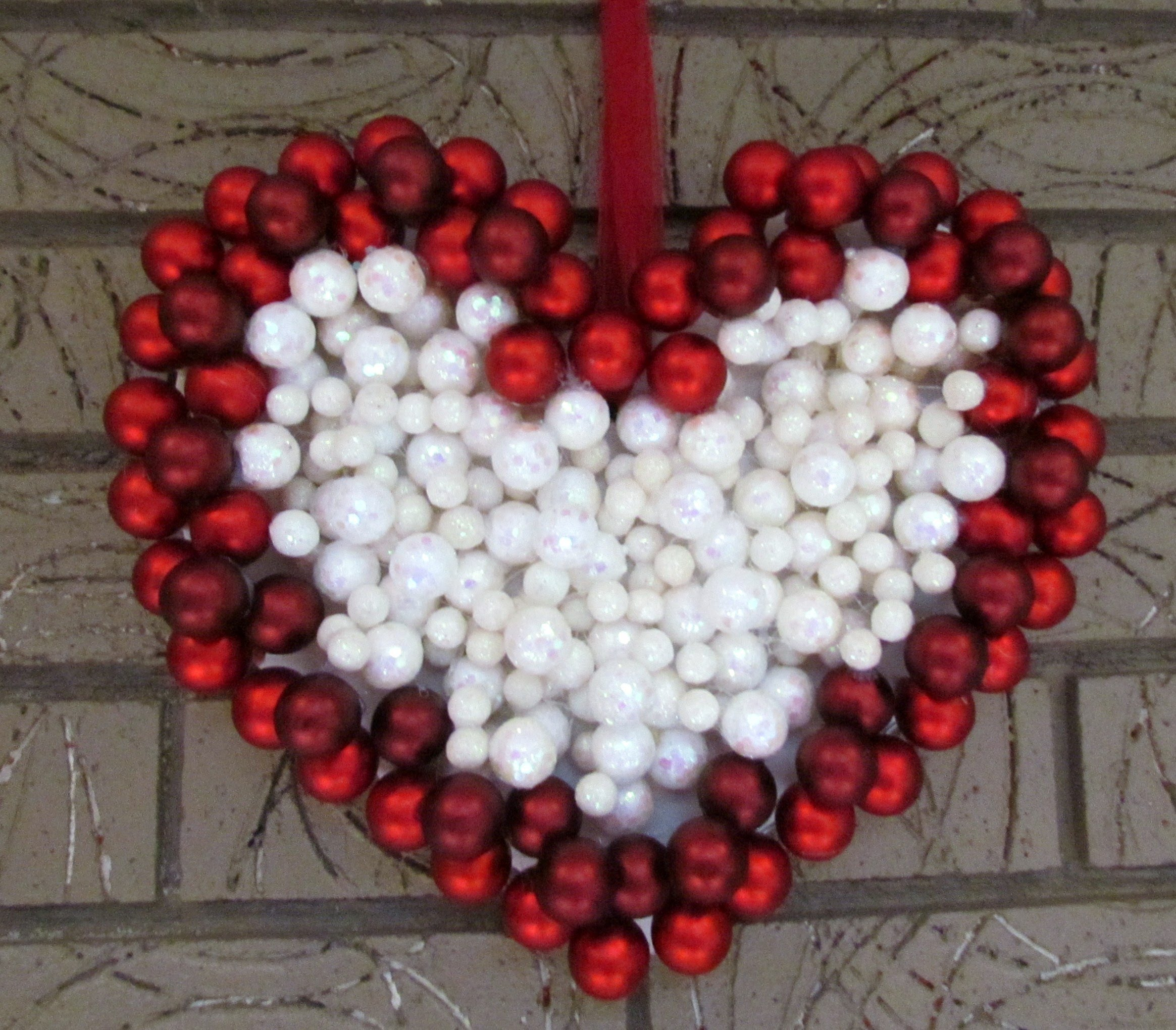 DIY Valentines Ornament Wreath