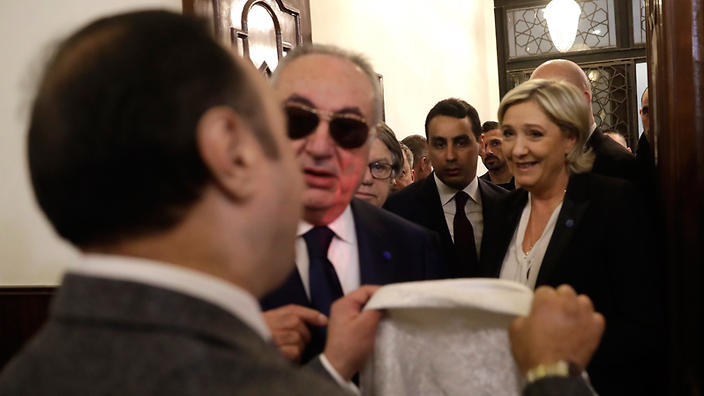 France's Le Pen refuses to wear hijab for meeting with Lebanon's grand mufti
