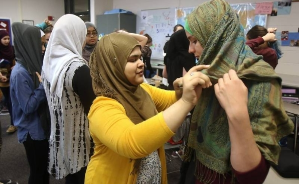 Female Students at Illinois School forced to wear hijab